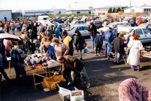 people-car-boot-sale